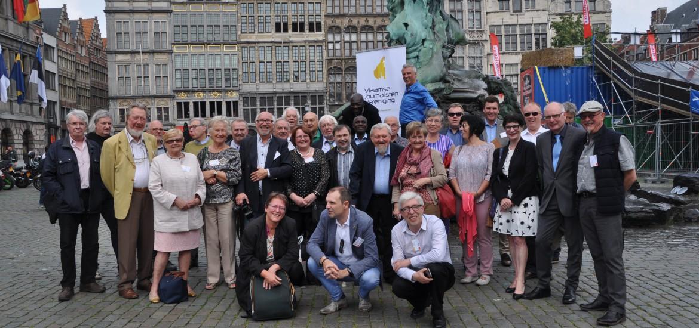 Groepsfoto VJV leden Grote Markt Antwerpen